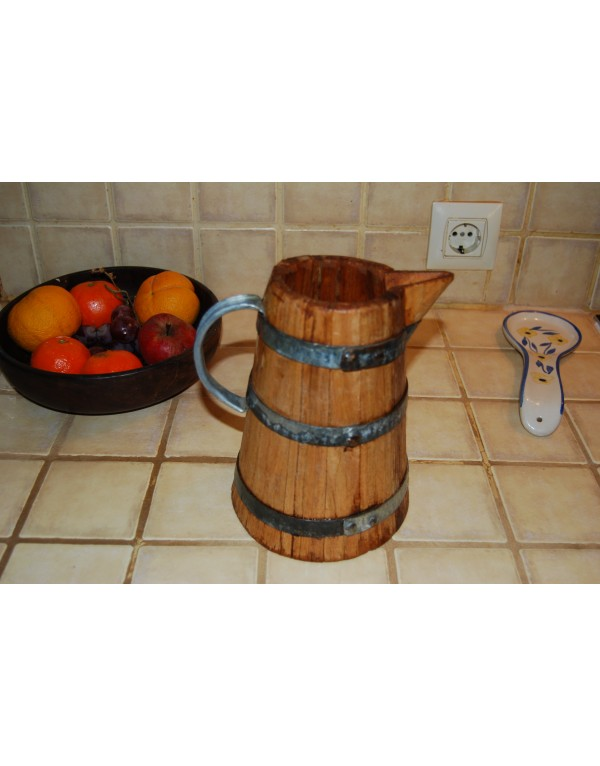 Oak pitcher
