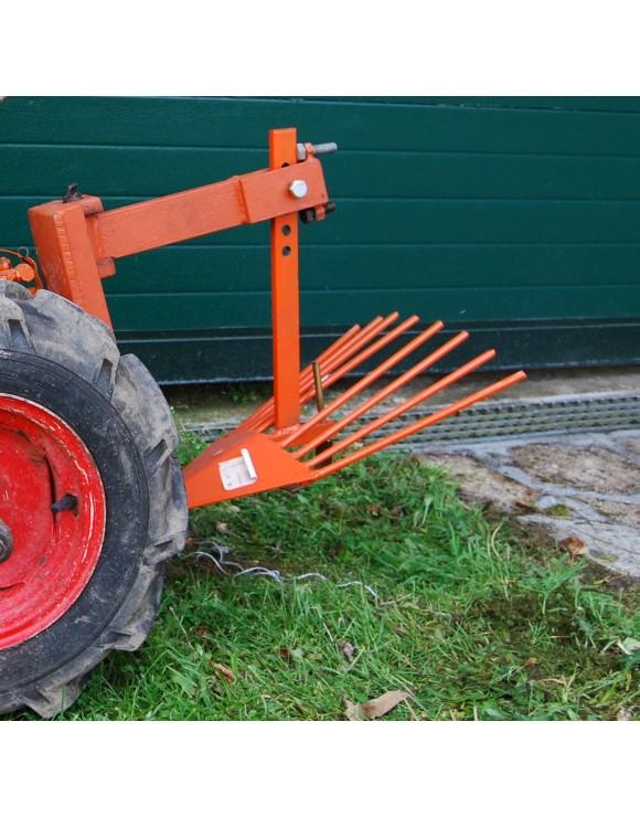 Potato digger for walking tractor